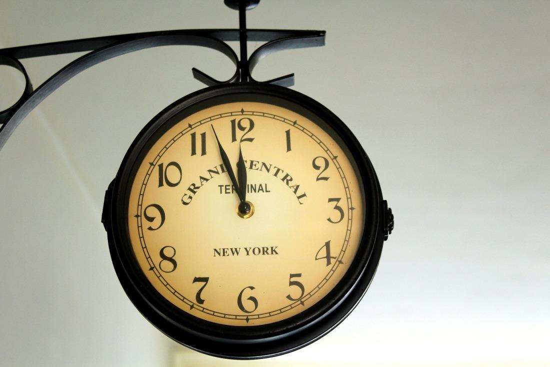 clock-4028263_1920