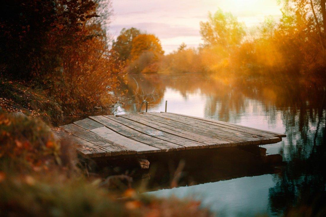 lake-4639368_1920