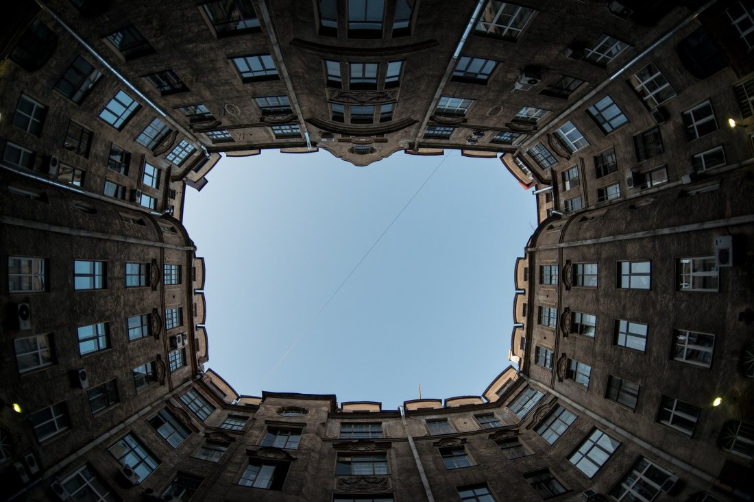 buildings-1336611_1920
